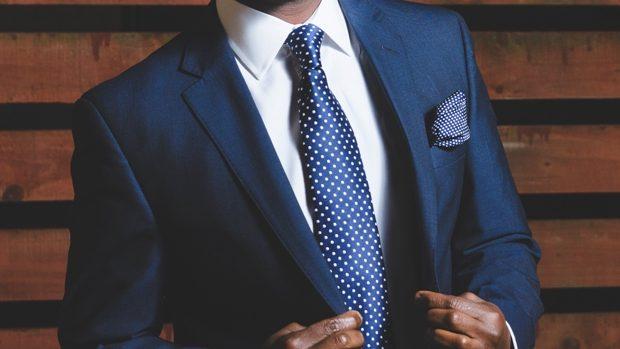 Künstler Eigentlich Entwurf  Corbata y pañuelo mira cómo usarlos correctamente